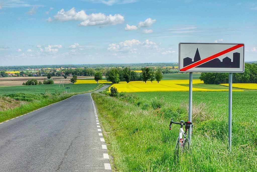 Trasa rowerowa do Wierzbnej po gładkich asfaltach – S14 110km