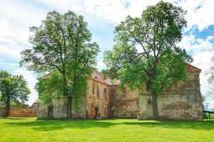 Wierzbna klasztor 02